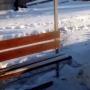 В Кургане вандалы оторвали железные стенки у новых остановок по улице Омской