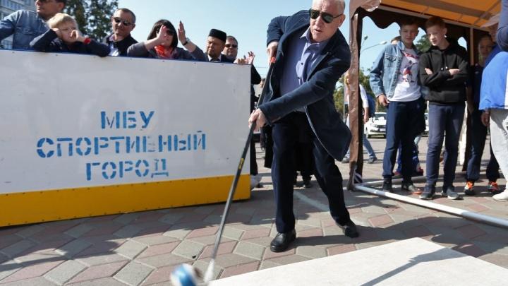 «Да мне всё равно»: челябинцы постеснялись критиковать Евгения Тефтелева во время прямого эфира