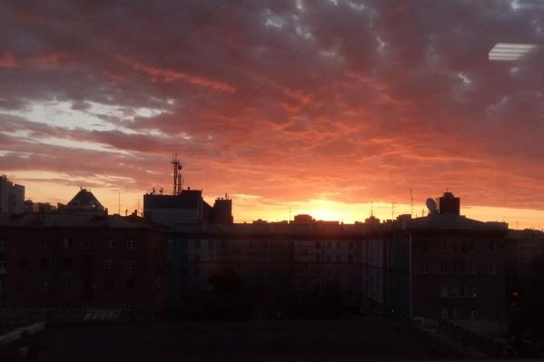 Красивый рассвет начался около 6:50