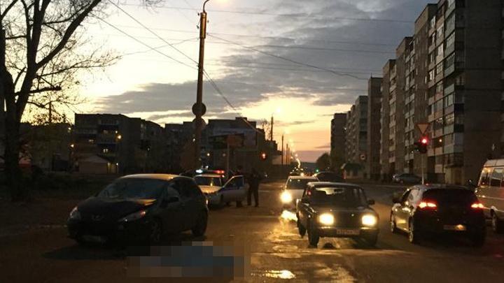 Перебегала дорогу на красный: в Башкирии женщина погибла под колёсамиPeugeot