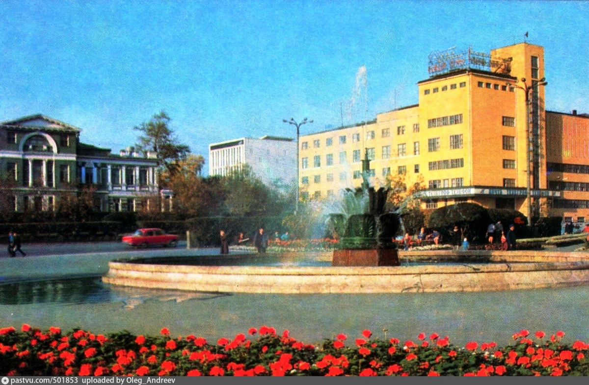 Фонтан «Каменный цветок» — один из немногих сохранившихся «самоцветных» символов Екатеринбурга
