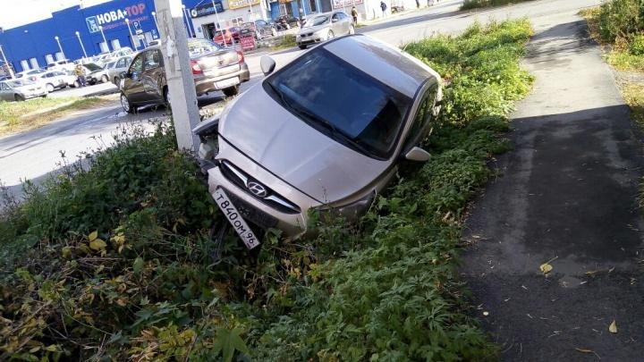 Hyundai улетела в кювет у «Новатора»