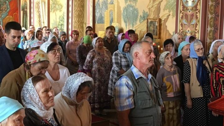 В храме Садов Придонья митрополитФеодор напомнил о величии воина