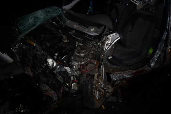 От удара машина превратилась в груду металла