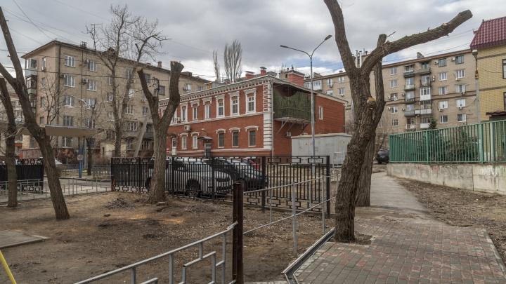 «Их там четыре вида»: администрация Волгограда уберёт 42 метра заграждений на проспекте Ленина