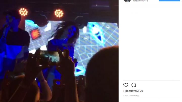 Новосибирцы залили в соцсети массу роликов с концерта популярной украинской группы