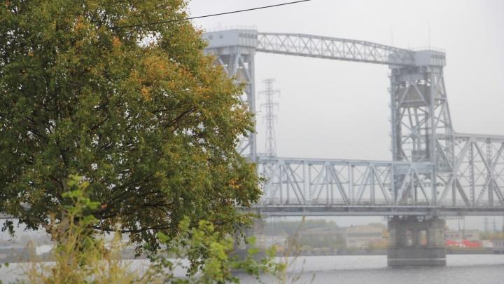 На реке в Архангельске двое человек погибли, выпав из моторной лодки
