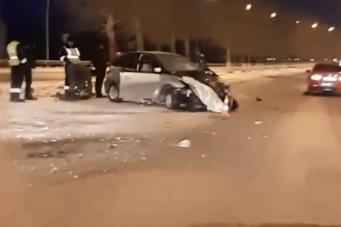«Дорога как каток»: на подъезде к аэропорту Красноярска в ДТП погибла женщина