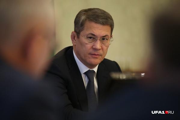 Радий Хабиров решил перейти на «ручное управление»