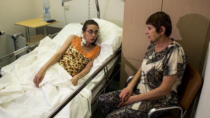 «Думала, что грыжа»: врачи удалили сибирячке опухоль весом 8 килограммов