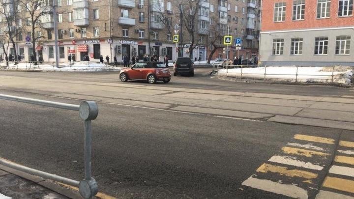 В Москве чисто, как в операционной, а мы калечимся: ярославна требует уволить мэра за снежные завалы