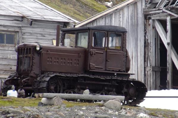Это — одна из машин, найденных в экспедиции. Выставлять вывезенную технику будут в Санкт-Петербургском Арктическом музейно-выставочном центре