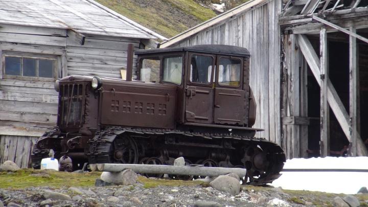 Вывозили по частям: учёные нашли в Арктике челябинский трактор 1930-х годов