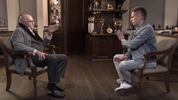«Мерзость, грязь и гнусь»: Никита Михалков раскритиковал Ельцин-центр в шоу Юрия Дудя