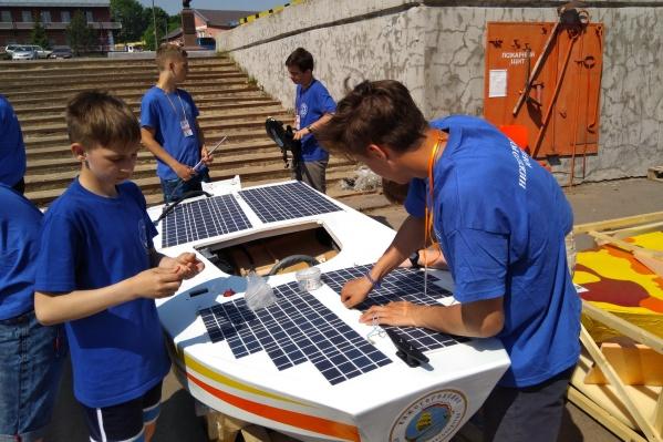 Нижегородские школьники строят лодки на солнечной энергии