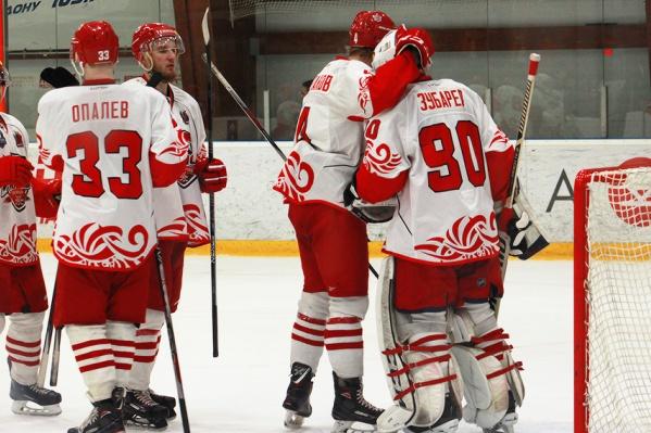 «Кондоры» сумели выиграть серию с командой Красноярска всухую