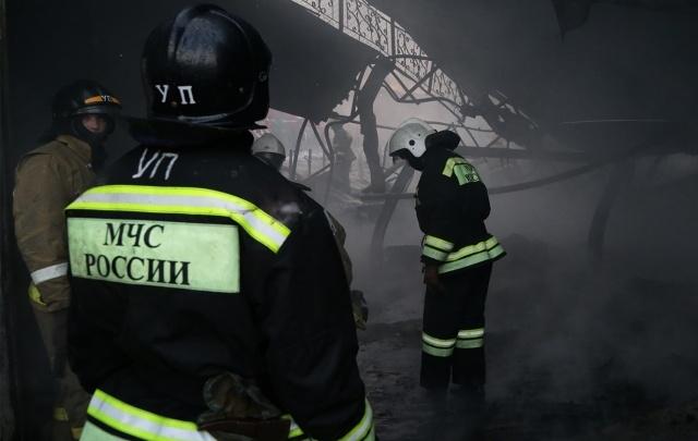 На границе Башкирии поезд смял легковушку: есть погибший