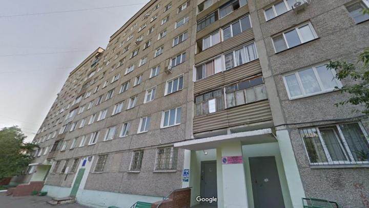 В Красноярске полицейский переписал на себя квартиру умершей пенсионерки