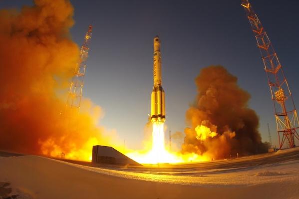 По данным «Роскосмоса», спутник уже достиг целевой орбиты
