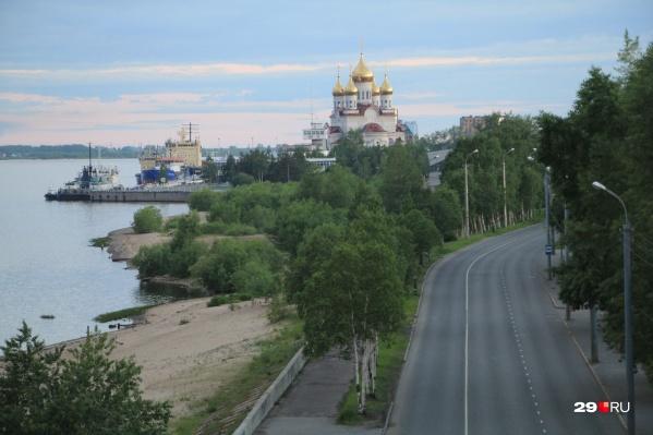 Ночью жизнь в Архангельске как будто замирает