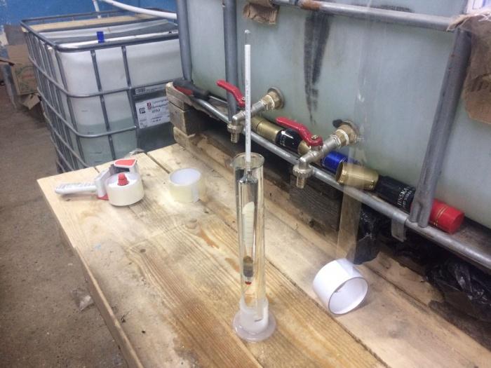 В городе Оби обнаружили производство поддельной водки