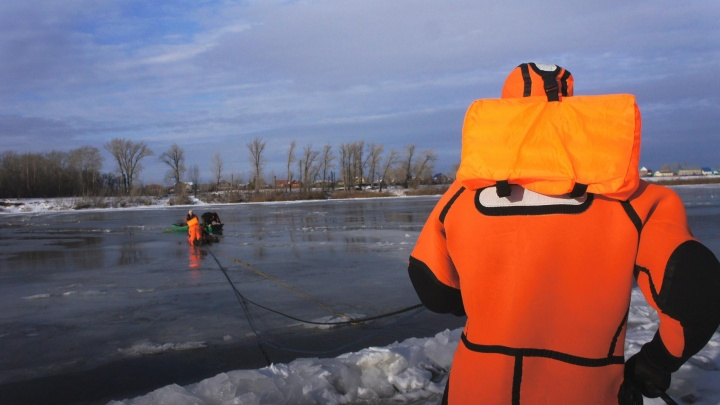 В Уфе сняли на видео, как спасают тонущего рыбака. Все закончилось трагично