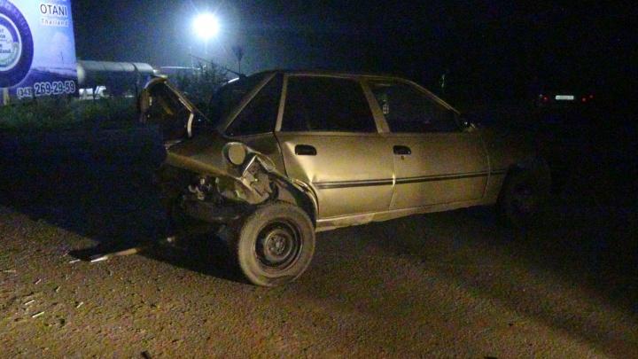 На ЕКАД грузовик задавил автомобилиста, который перед этим попал в ДТП