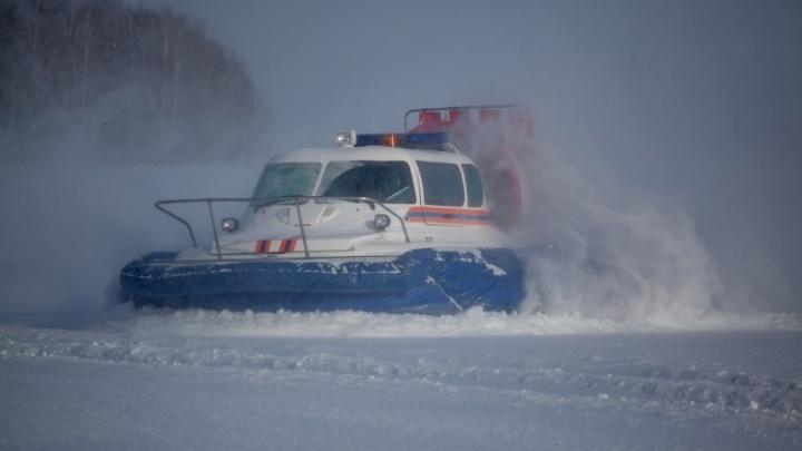 Во льду Бердского залива нашли «Тойоту», исчезнувшую в Академгородке