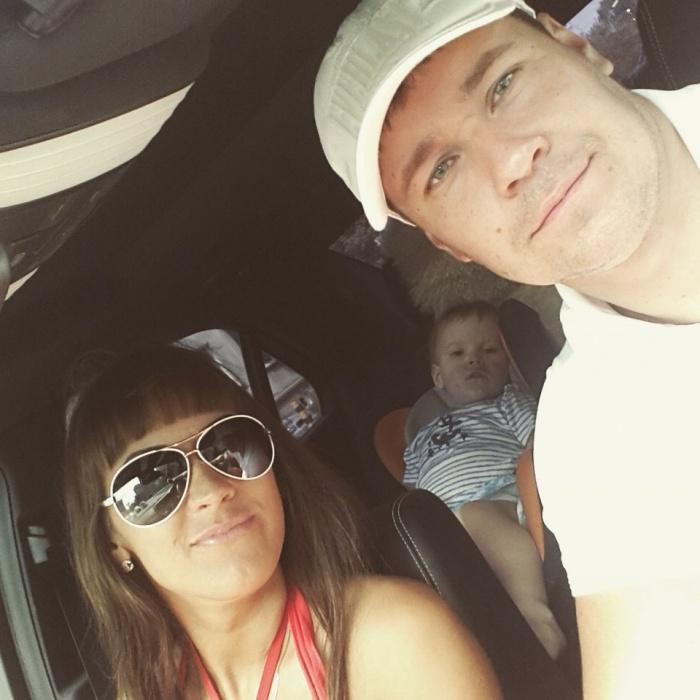 Дмитрий Морковин вместе с женой Линой и 4-летним сыном Ромой