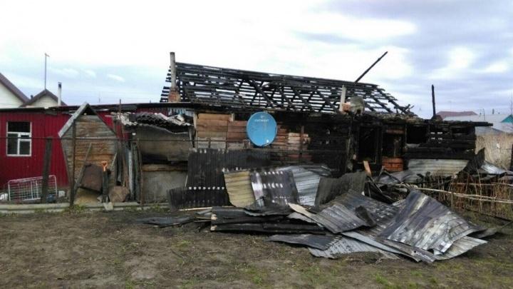 В Центральном округе при пожаре сгорела семья с детьми