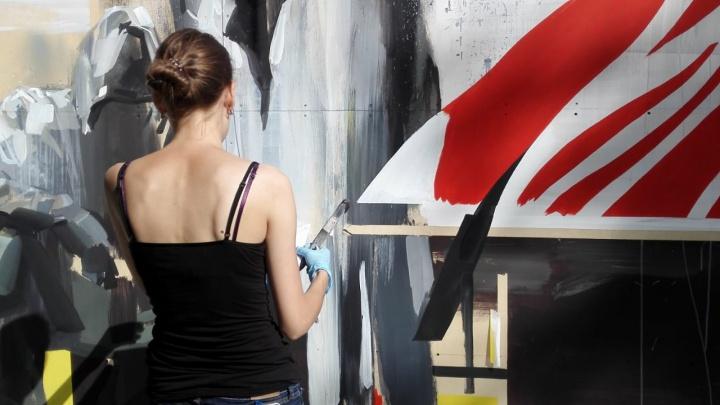Не трогайте наши стены: участники фестиваля не смогли сделать граффити на зданиях Академгородка