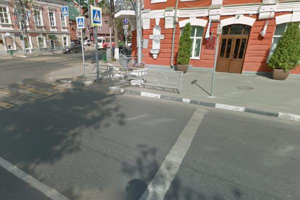Некрасовскую закрыли для проезда из-за ремонта теплотрасс