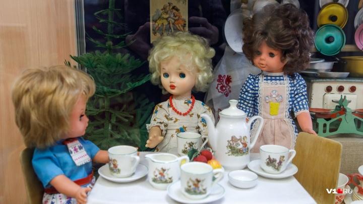 Приглашение в детство: волгоградский краеведческий музей показывает игрушки дедушек и бабушек