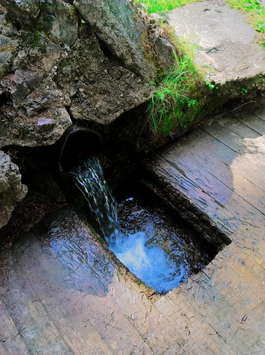 Рядом с Ныробом есть источник с чистейшей водой