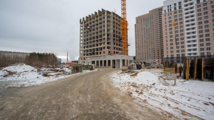 Возвращение ревущих 20-х: в Краснолесье построили уже 13-й этаж легендарной башни