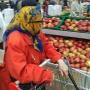 Не до жиру: на сколько похудел средний чек уральцев во время похода в магазин