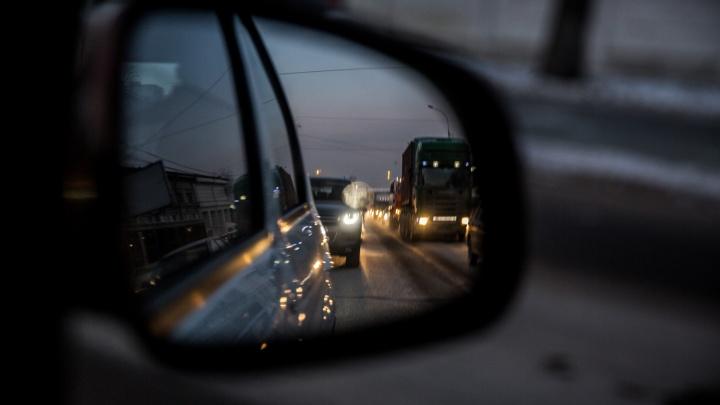 Три аварии парализовали движение на Бориса Богаткова: собралась пробка на 2 километра