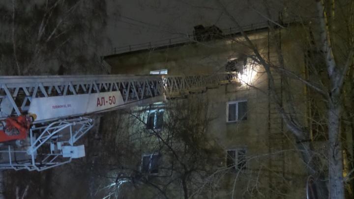 На Восточной сгорела заваленная мусором квартира, погиб мужчина
