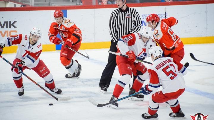 Молодежка «Авто» проиграла второй подряд матч финальной серии Кубка Харламова