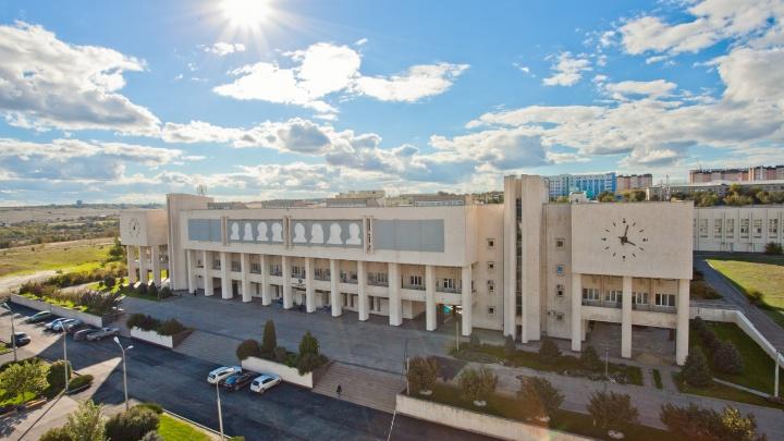 «Кто против больницы вместо кампуса — тот не против детей»: урбанист о застройке территории ВолГУ