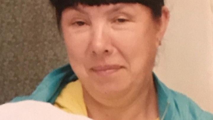 """""""Её сожителя нашли мёртвым в поле"""": под Алапаевском ищут женщину, которая уехала за клюквой и пропала"""