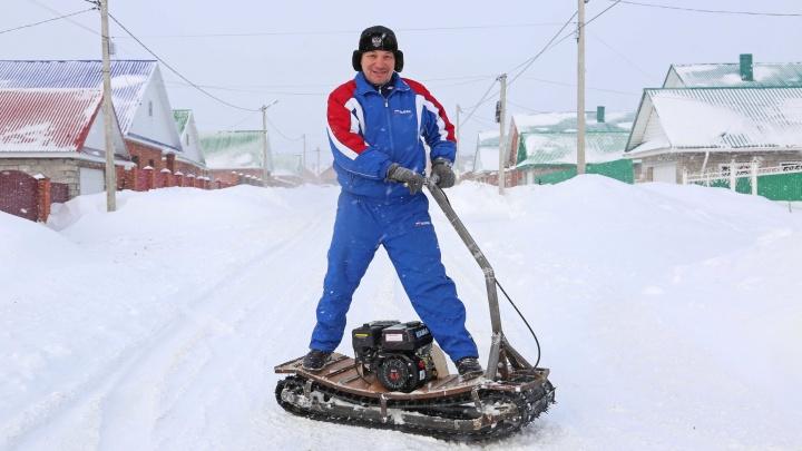Гусеницы от «Бурана», двигатель для мотоблока: изобретатель из Уфы собрал самоходный сноуборд