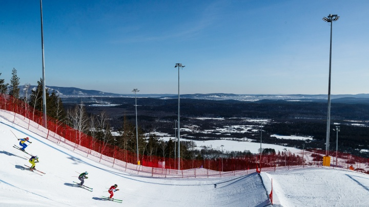 Хаски-парк и альпийское шале: уральцам предложили провести новогодние выходные на солнечном курорте