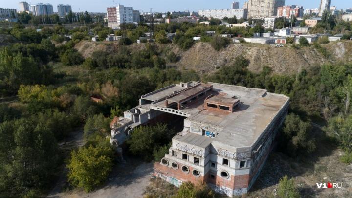 «Его могут снести»: волгоградские сталкеры сняли заброшенный Морятник в центре Волгограда