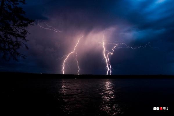 Грозы и дождь могут продолжиться до самого вечера