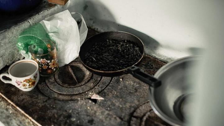 Затопила печь и ушла: жительнице Южного Урала грозит до пяти лет колонии за гибель сына на пожаре