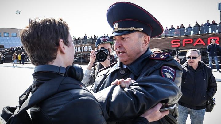 Шутки за 300 (тысяч рублей): как вас накажут за обидные мемы про политиков и фейки