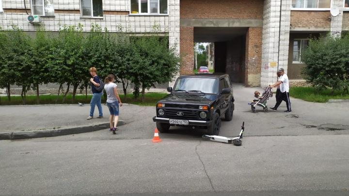 Девушка на «Ниве» сбила женщину с ребёнком на электросамокате в Первомайском районе
