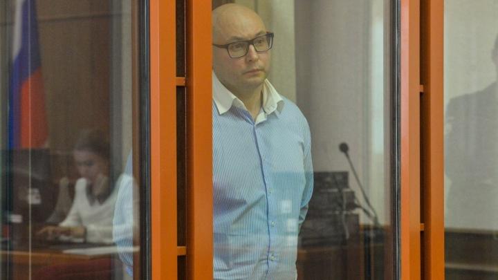 Считает себя невиновным: бизнесмен Сиволап, который убил бутылкой пристава, обжаловал приговор