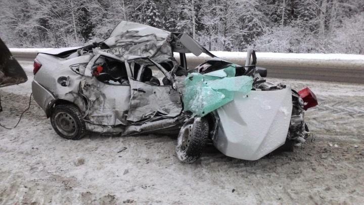 В Прикамье легковушка врезалась в бензовоз: погибла женщина